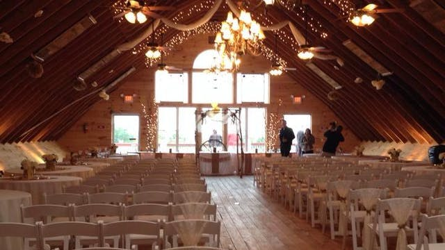 Laura's Wedding.  The Wedding Barn in Minot, Maine