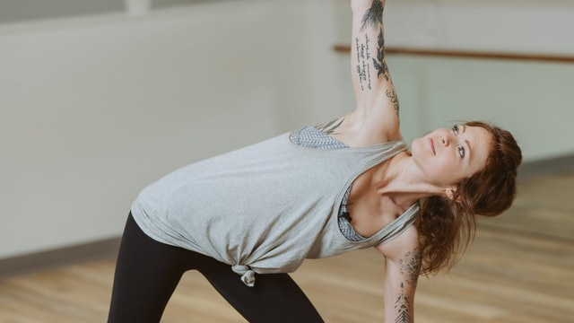 20 Minute Ashtanga Primary Series with Kelsey