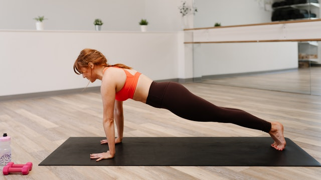 30 Minute Full Body Barre with Emily