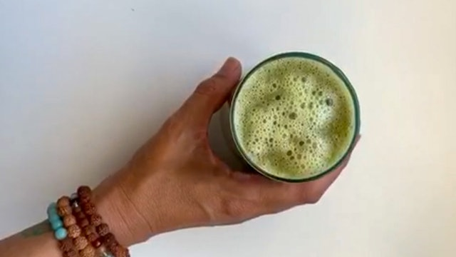 Green means Glow Smoothie Recipe