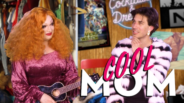 Jinkx Holds A Ukelele For Ten Minutes