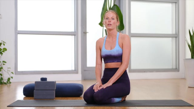 Deep Stretch with Krystina | 30