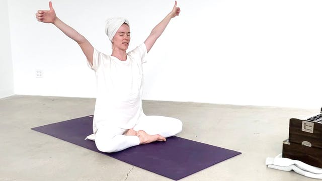 Beginner Kundalini with Chloe