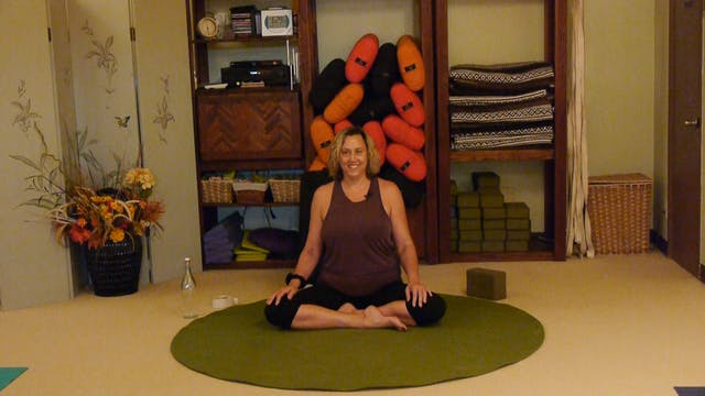(1 Hr) Aloha Gentle Yoga Therapy for the Low Back with Justine Shelton