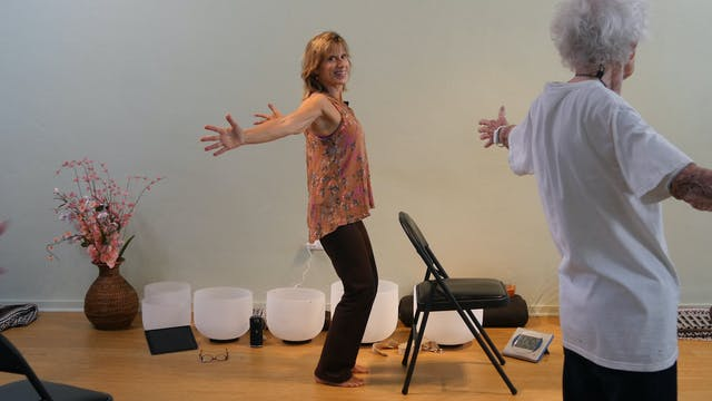 (1 Hr) Chair Yoga with Sound Healing ...