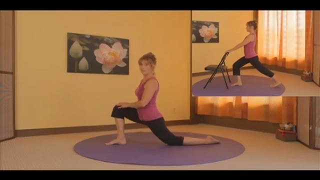 (10-Min) Gentle Lunge Series with Cha...