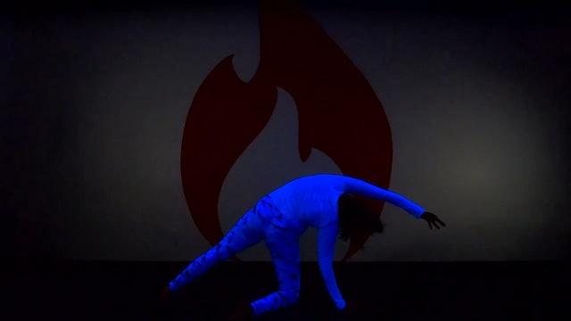 Julia Dancer's Pose BlackLight LIVE from Tribeca -  Thu 12/10