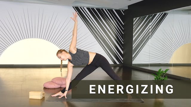 30 min Vinyasa Flow with Darya