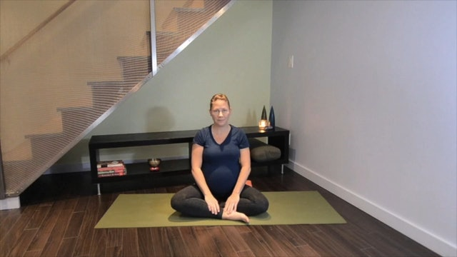 Prenatal Yoga Leg Practice 6 min.