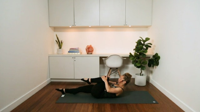 Classic Mat Pilates (63 min) - with Chrissy Chequer