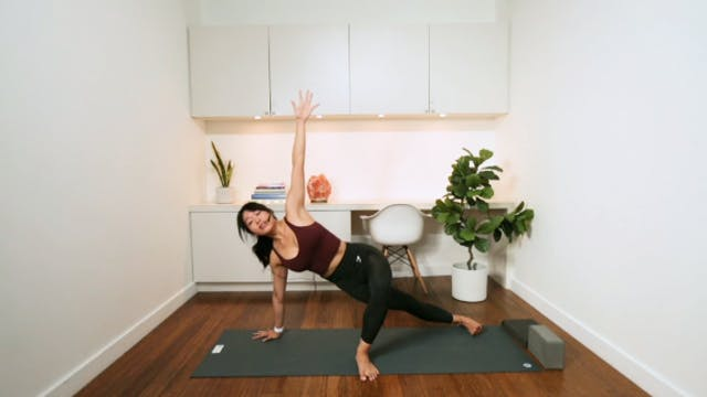 Relaxing Flow & Stretch (45 min) - wi...