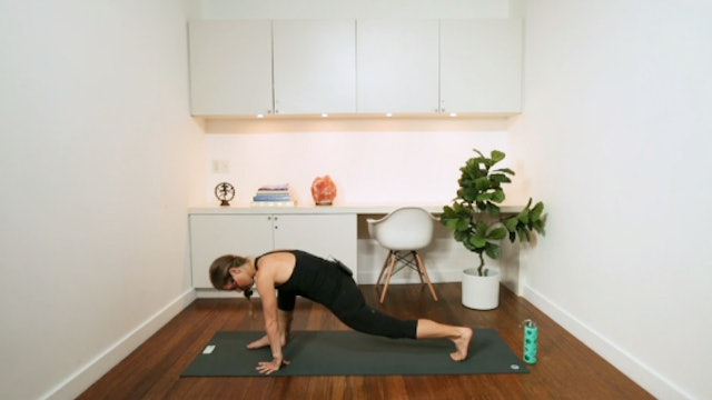 Pilates Posture (20 min) - with Chrissy Chequer