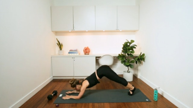 10 Minute Tone: Abs (12 min) - with Chrissy Chequer