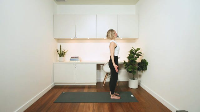 Flow Yoga: Morning Sun Salutations (3...