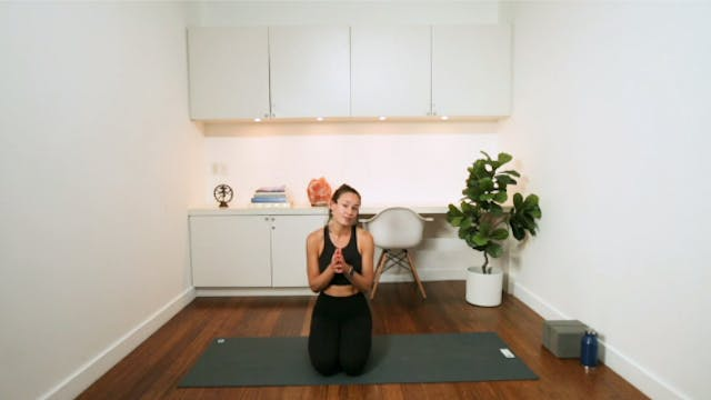 Soothing Evening Yoga (20 min) - with...