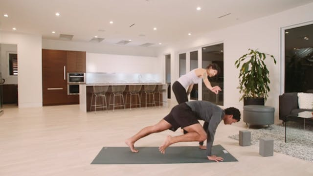 Flow Yoga: For Balance and Focus (45 ...