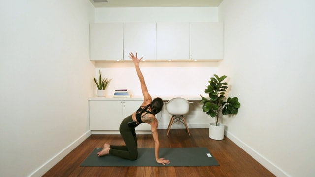 Mellow Flow, Meditation & Breathwork (30 min) - with Alia Mai