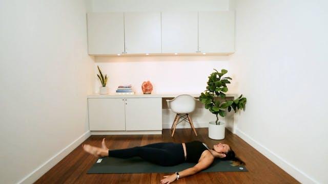 Lower Body Pilates Workout (25 min) -...