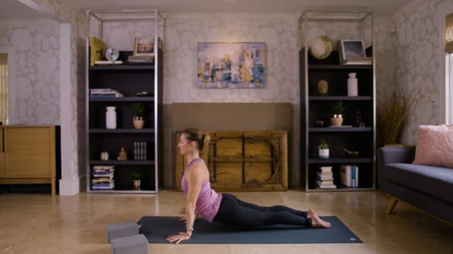 Flow Yoga (20 min) — with Jayme Burke