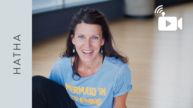 Hatha Yoga (40 min) with Sandra Stephanson