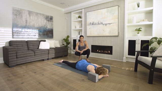 Flow Yoga: Nourishing Evening Practic...