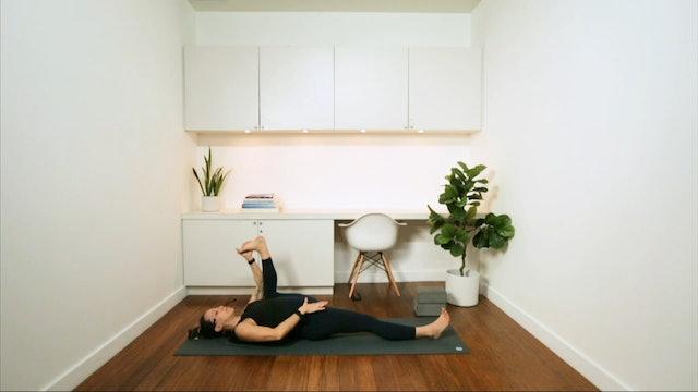 Power & Flow Yoga (45 min) - with Mari Dickey