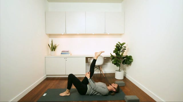 Gentle Hatha for Hips (30 min) - with...