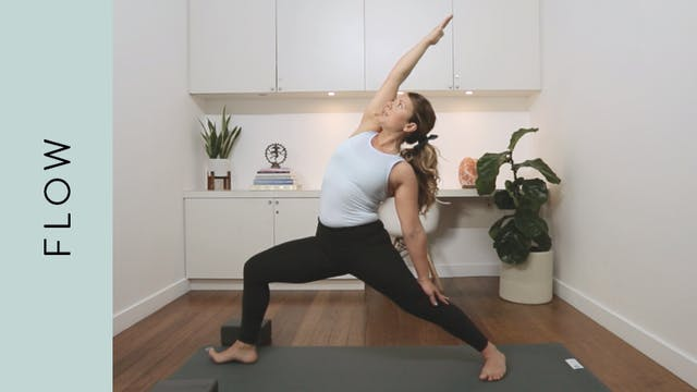 Side Body Flow Yoga (30 min) — with K...