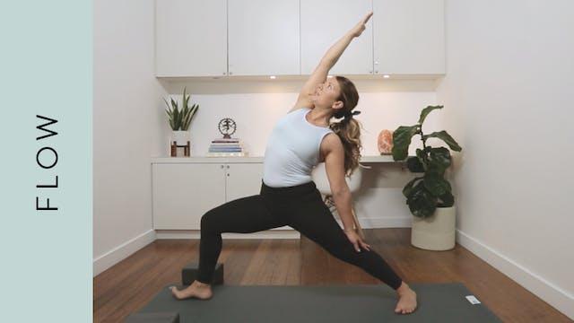 Side Body Flow Yoga (30 min) — with K...
