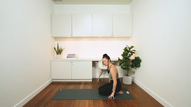 Wrists & Ankles Mini-Flow Warm Up (25 min) - with Vanessa Bourget