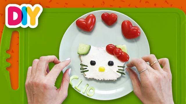 Hello Kitty Valentine's Snack | Toast...