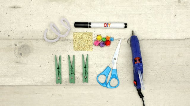 Christmas Tree   Clothespin Craft