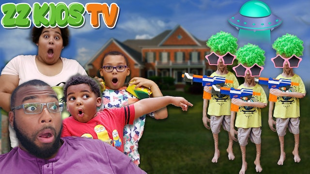 SPACE DUDE VISITS ZZ KIDS & HAD A NERF BATTLE! (Should he Stay?)